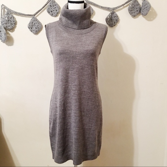 cupcakes & cashmere Dresses & Skirts - NWT Cupcakes and Cashmere Turtle Neck Dress - S